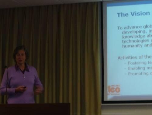 Maria Ines  Valla Author of Evaluating Organization Development