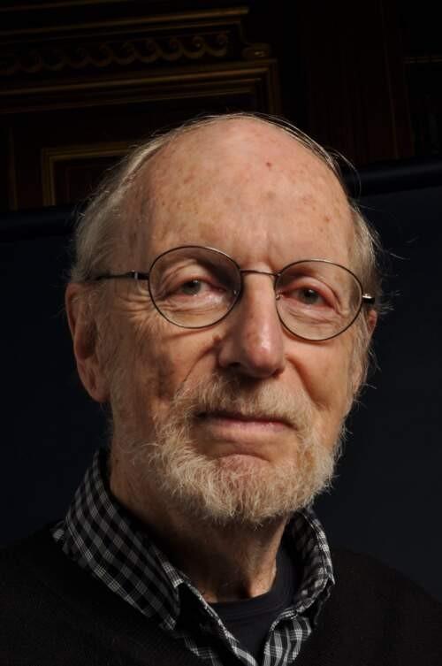 Author - Robert  Cassen