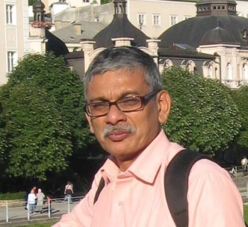 Hiranmay  Ghosh Author of Evaluating Organization Development