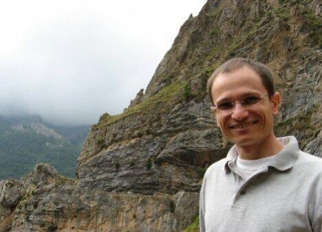 Julio  Chaves Author of Evaluating Organization Development
