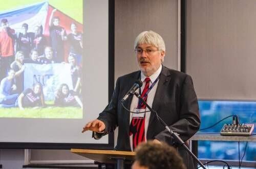 Author - Glen  Jones