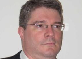 Frank  Siepmann Author of Evaluating Organization Development