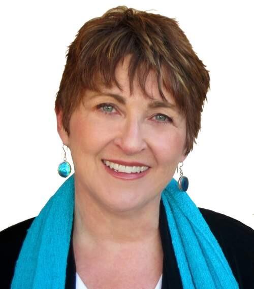 Author - Gina  Pera