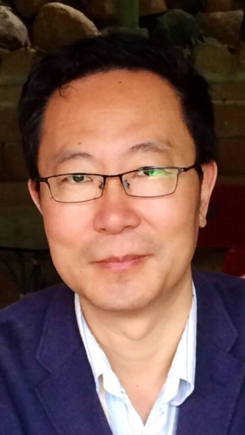 Li  Wei Author of Evaluating Organization Development