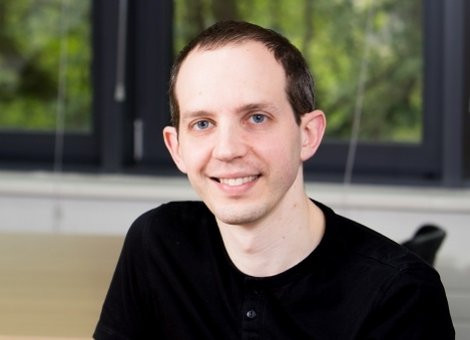 Ian  Sapiro Author of Evaluating Organization Development