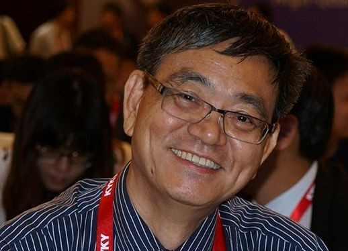 Sam  Zhang Author of Evaluating Organization Development