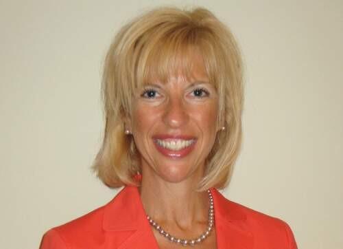 Jodi  Radosh Author of Evaluating Organization Development