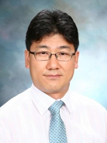Dong kee  Yi Author of Evaluating Organization Development