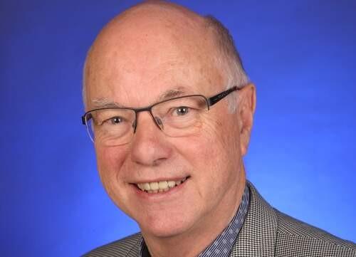 Douglas  Pratt Author of Evaluating Organization Development