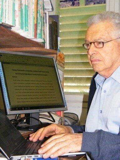 Reuven  Shapira Author of Evaluating Organization Development