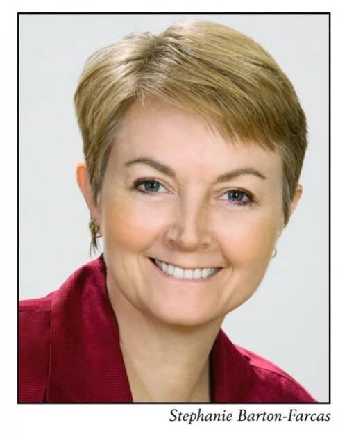 Stephanie  Barton-Farcas Author of Evaluating Organization Development
