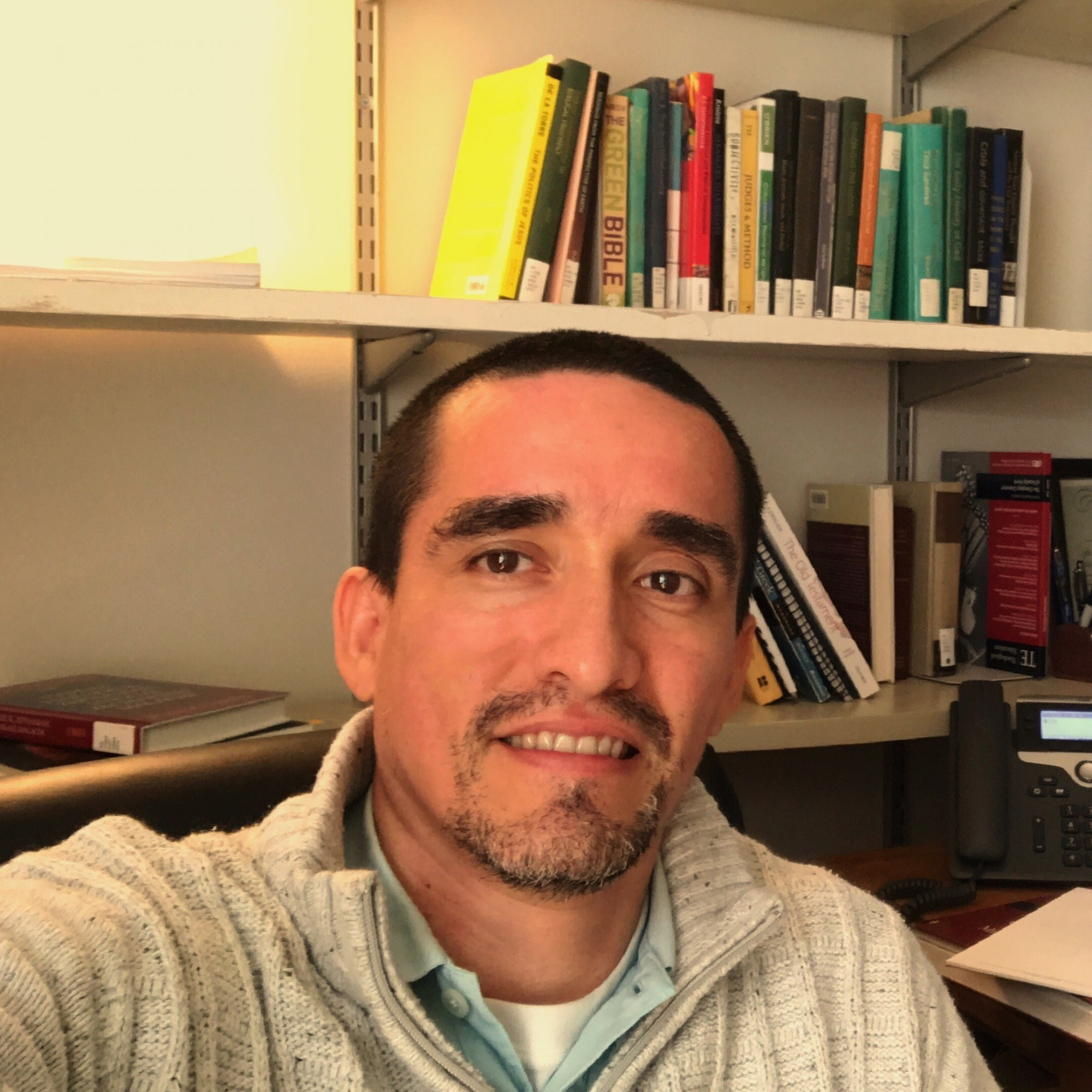 Julian Andres  Gonzalez Holguin Author of Evaluating Organization Development
