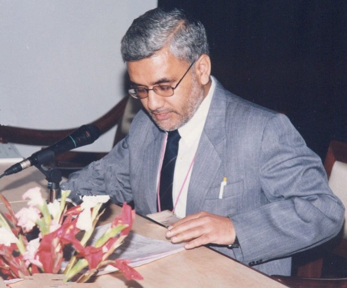 Author - Vinay Kumar Kapoor