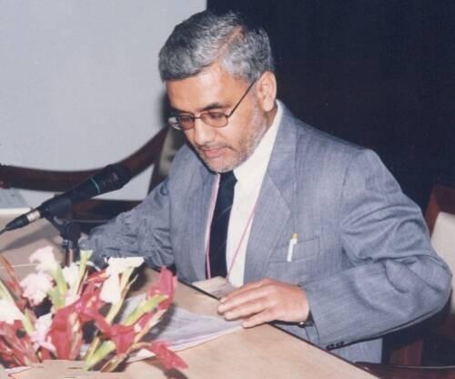 Vinay Kumar Kapoor Author of Evaluating Organization Development