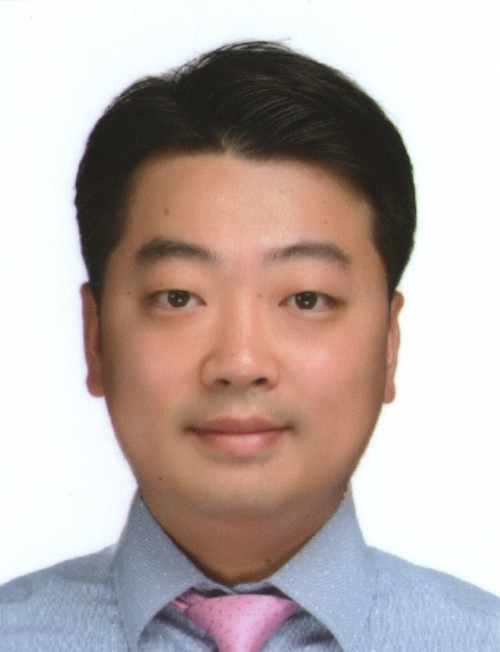 Youngjun  Kim Author of Evaluating Organization Development