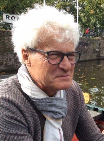 Author - Hans  van Ewijk