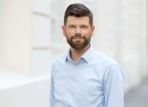 Author - Tobias  Eberwein