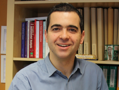 Cláudio  Gomes Author of Evaluating Organization Development