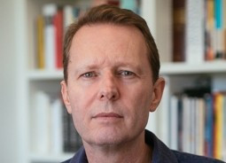 David  McCooey Author of Evaluating Organization Development
