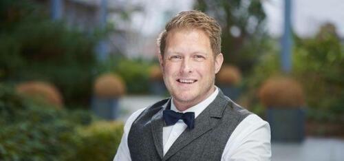Author - Simon  Hale-Ross