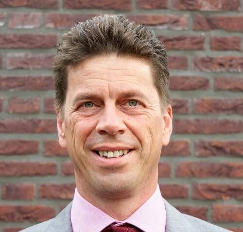 Mark  van Helvoort Author of Evaluating Organization Development