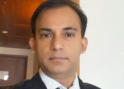 Chinmoy  Saha Author of Evaluating Organization Development