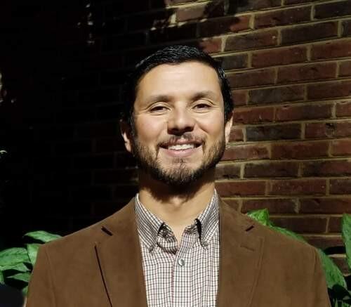 Ellis  Hurd Author of Evaluating Organization Development