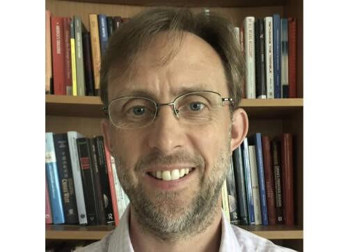 Tim  Summers Author of Evaluating Organization Development