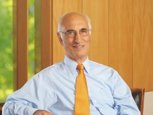 NICOLAS S MAJLUF Author of Evaluating Organization Development