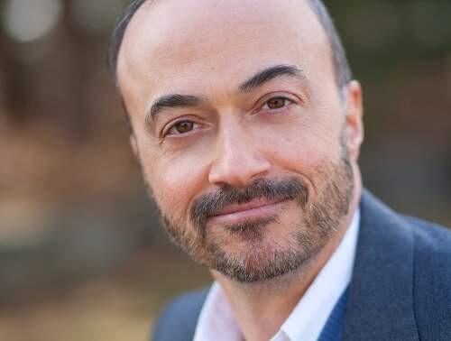 Author - Robert  Fantina