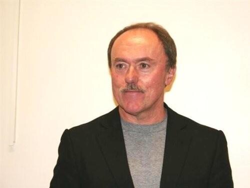 Robert  Bridger Author of Evaluating Organization Development