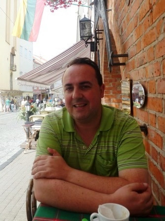 Raúl  Pérez Gálvez Author of Evaluating Organization Development