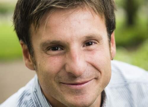 Julen  Etxabe Author of Evaluating Organization Development