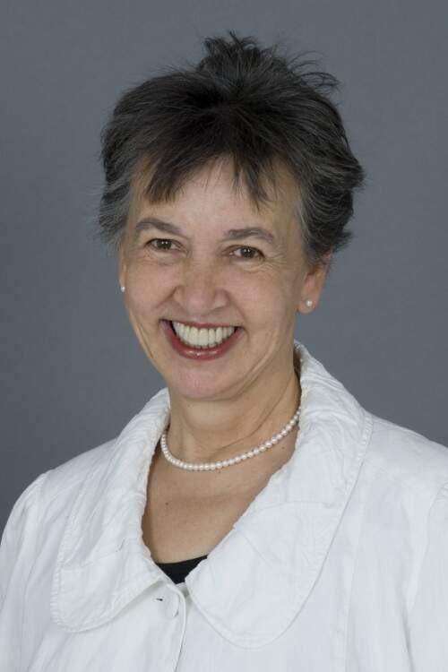 Author - Lynne  Hunt
