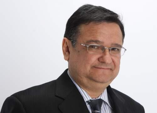 Cesar  Ovalles Author of Evaluating Organization Development