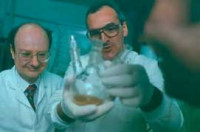 Making new anticancer drugs in the chemistry lab (Circa 1999)